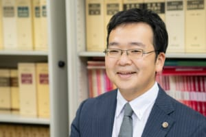 Protected: 『弁護士×僧侶』2つの顔を持つ法律家の目指す先。横浜関内法律事務所